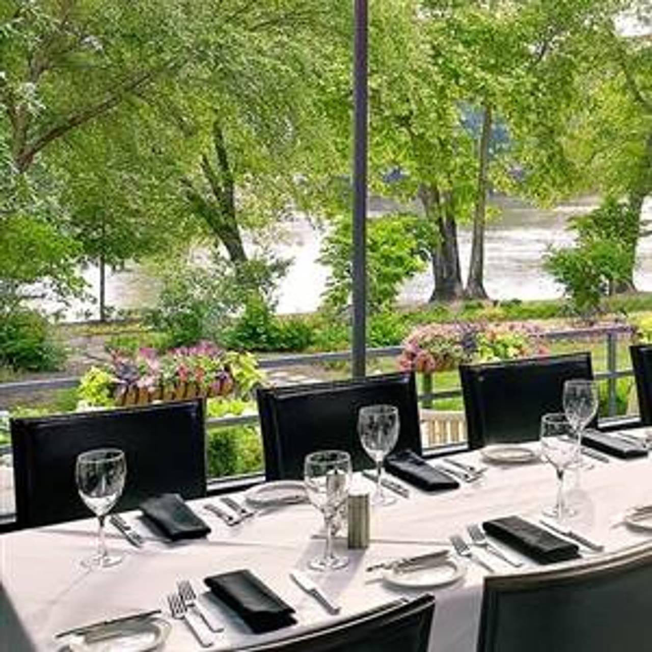 Ray S On The River Restaurant Sandy Springs Ga Opentable