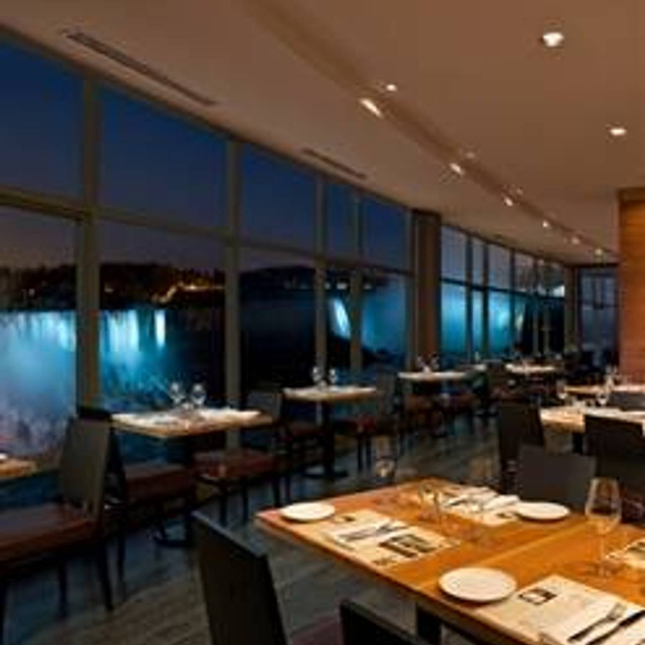 Massimo S Italian Fallsview Restaurant Niagara Falls On