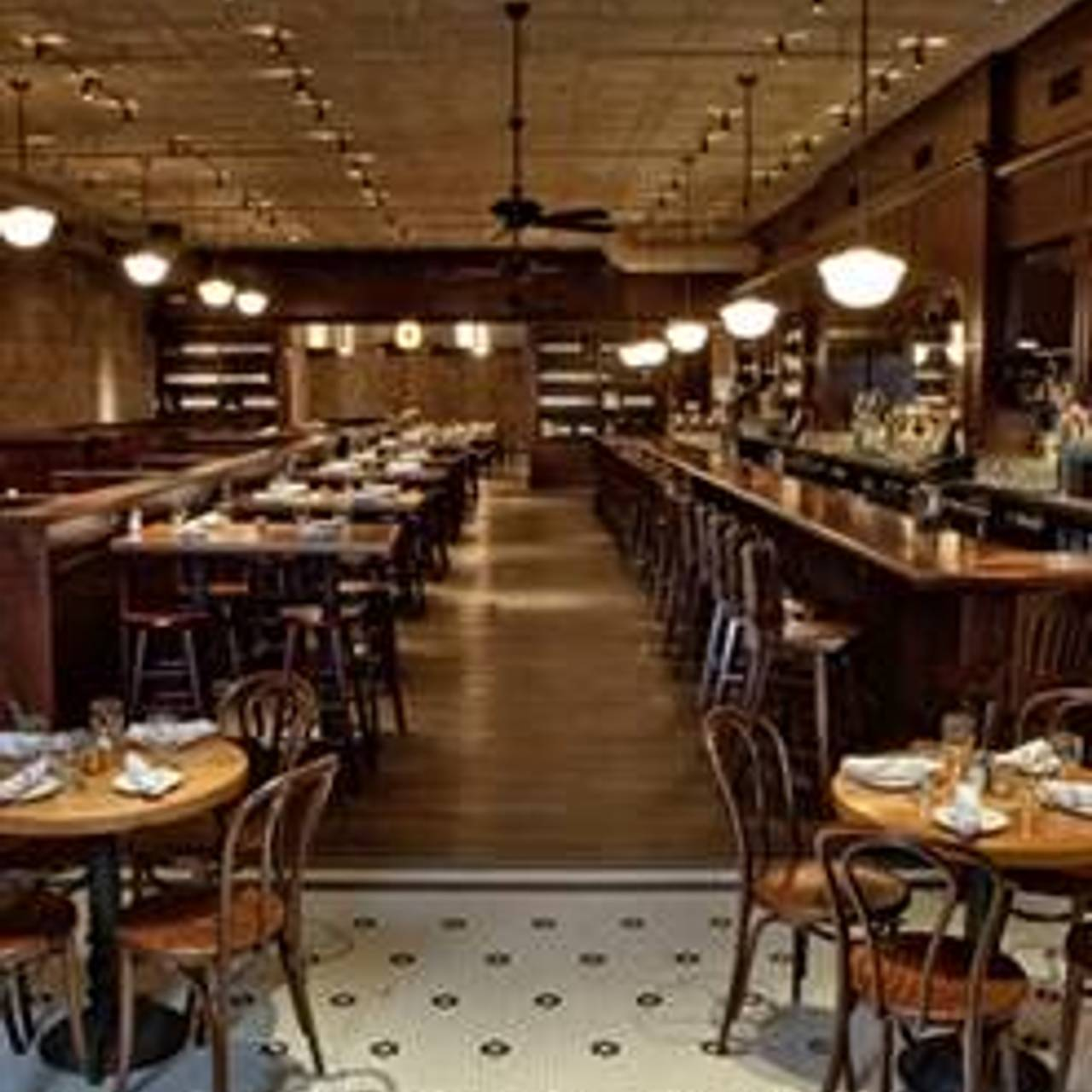 Lincoln Tavern And Restaurant Boston Ma Opentable