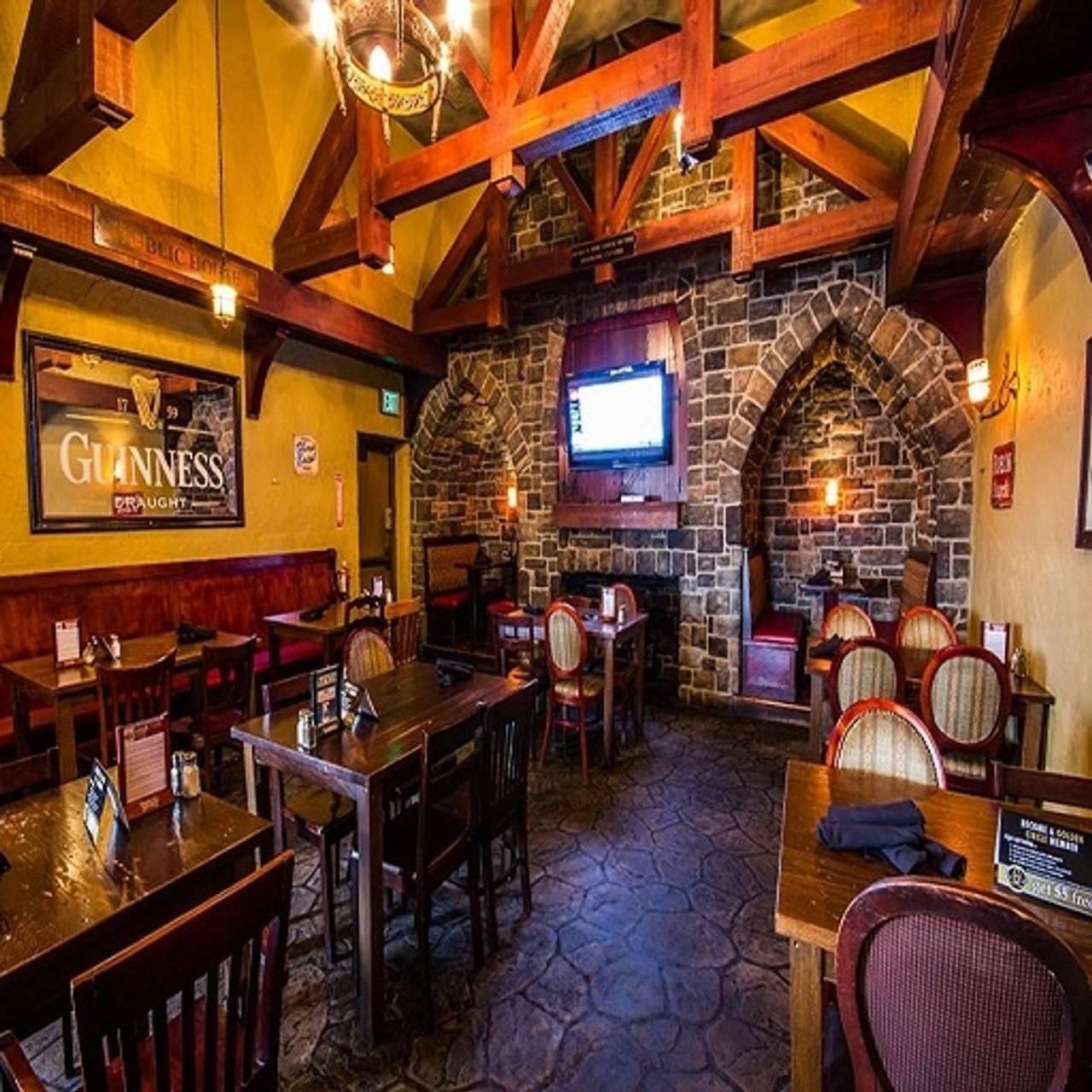 Claddagh Irish Pub Eastwood Towne Center Lansing Mi