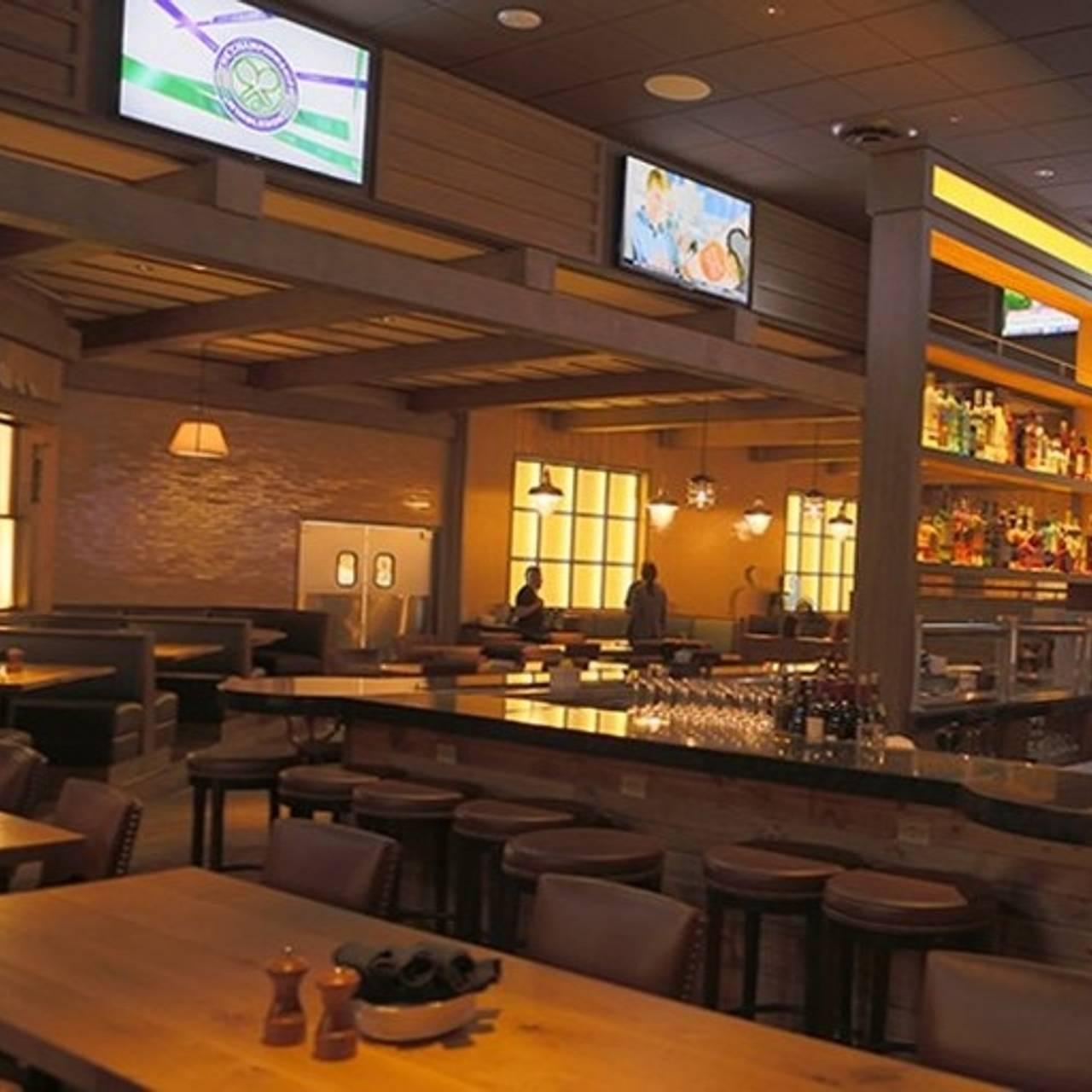 B Lux Grill Bar Pocono Manor Pa