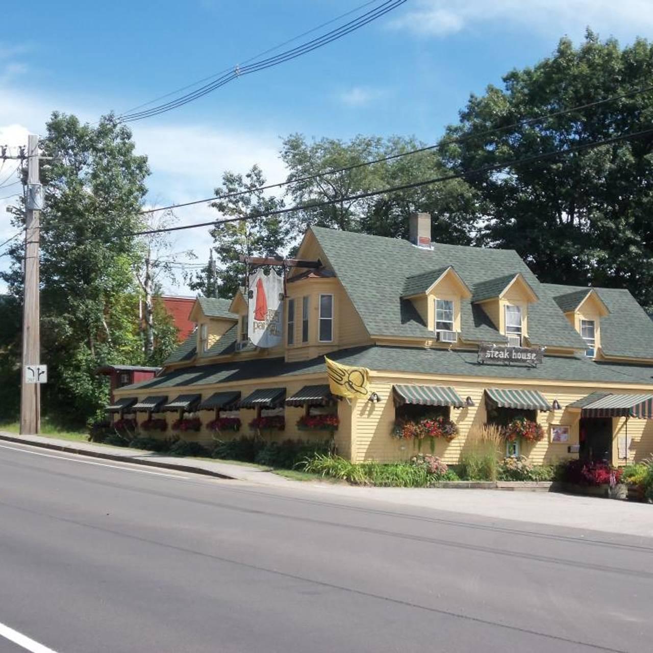 Red Parka Pub Glen Nh