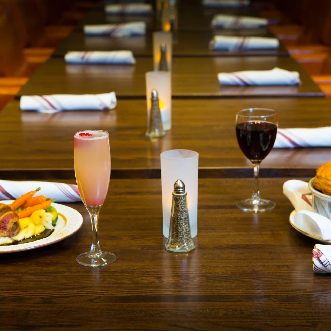CH Fields Craft Kitchen - Hilton Garden Inn at IUP Restaurant ...
