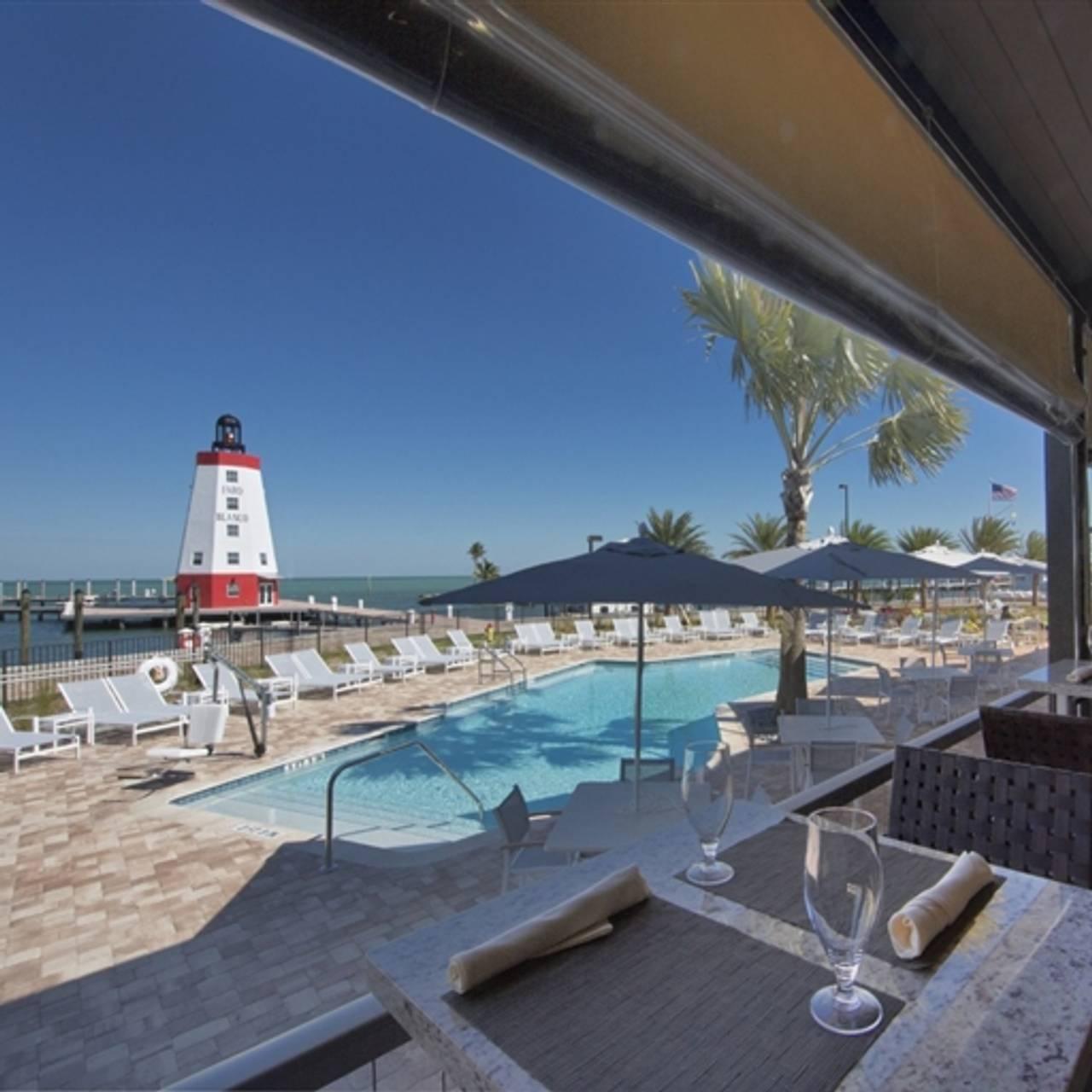 Lighthouse Grill Faro Blanco Resort Yacht Club Marathon Fl