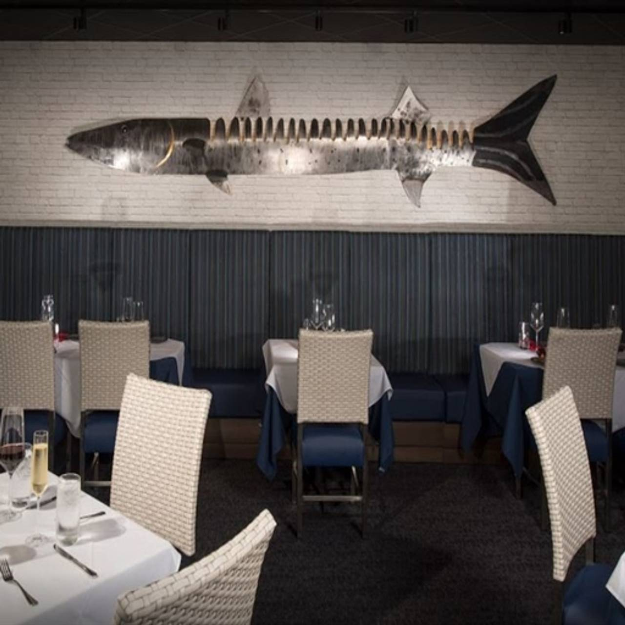 Superbe Kingfish Seafood, Copley, OH