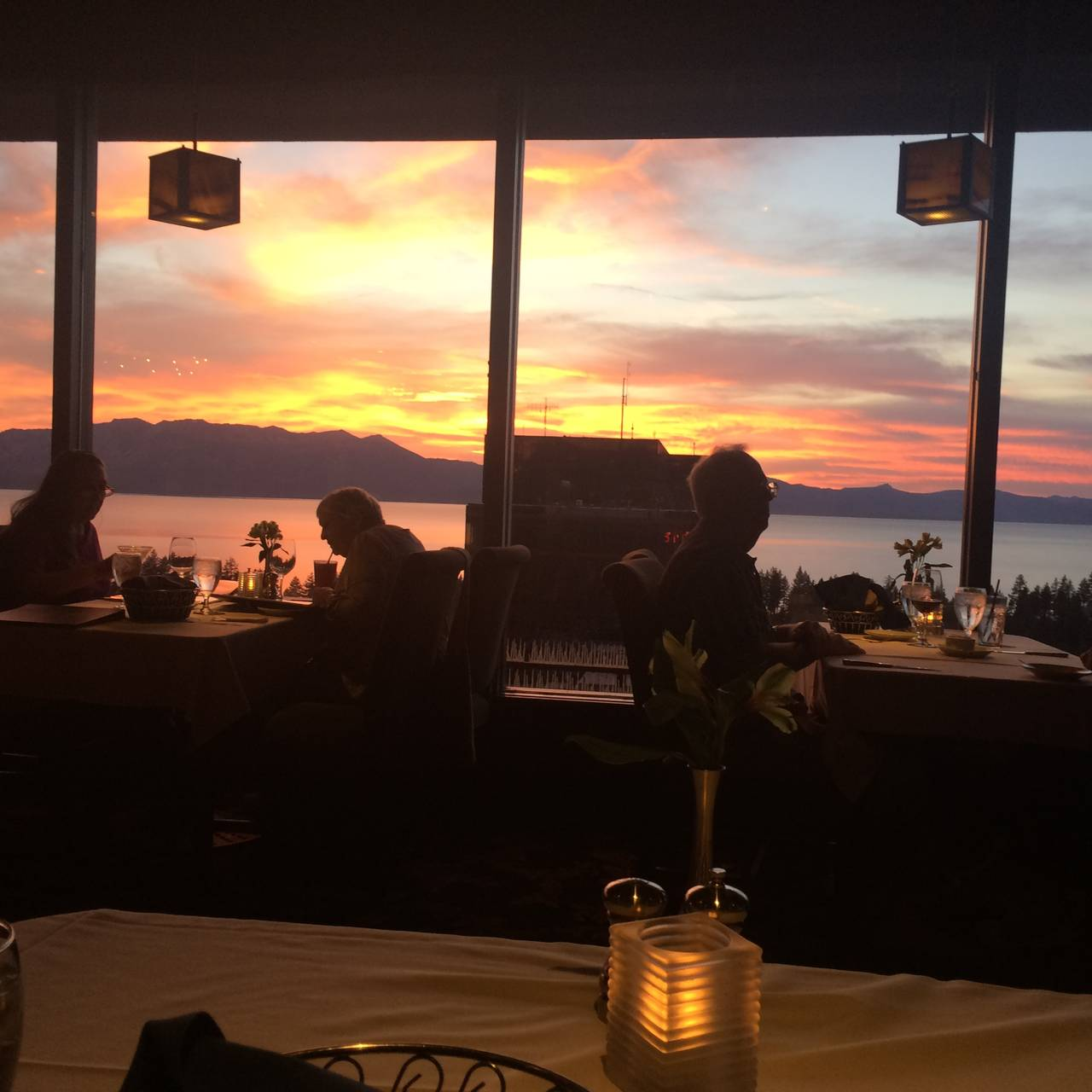 Friday S Station Steak Seafood Grill Harrah Lake Tahoe Restaurant Stateline Nv Opentable