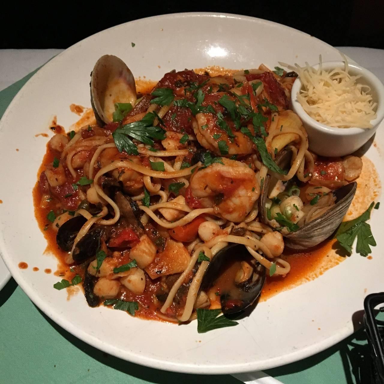 Flaherty\'s Seafood Grill & Oyster Bar Restaurant - Carmel, CA ...