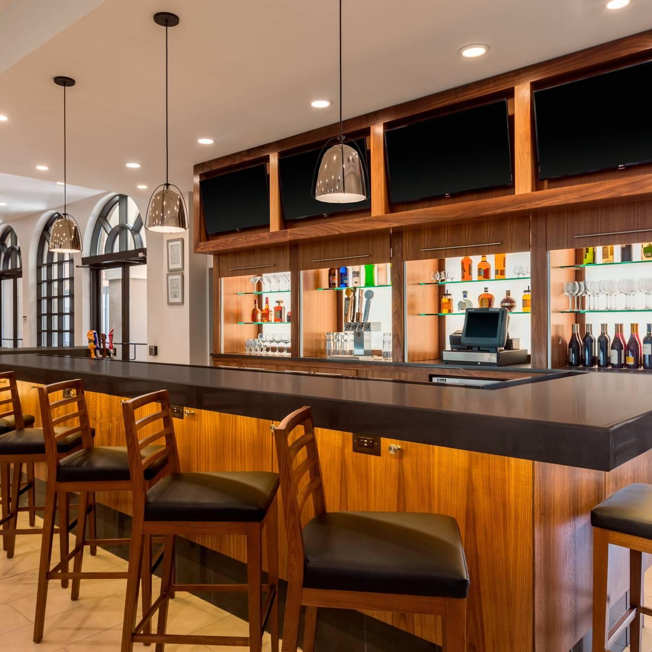 Craft 670 - Embassy Suites Greenville Restaurant - Greenville, SC ...