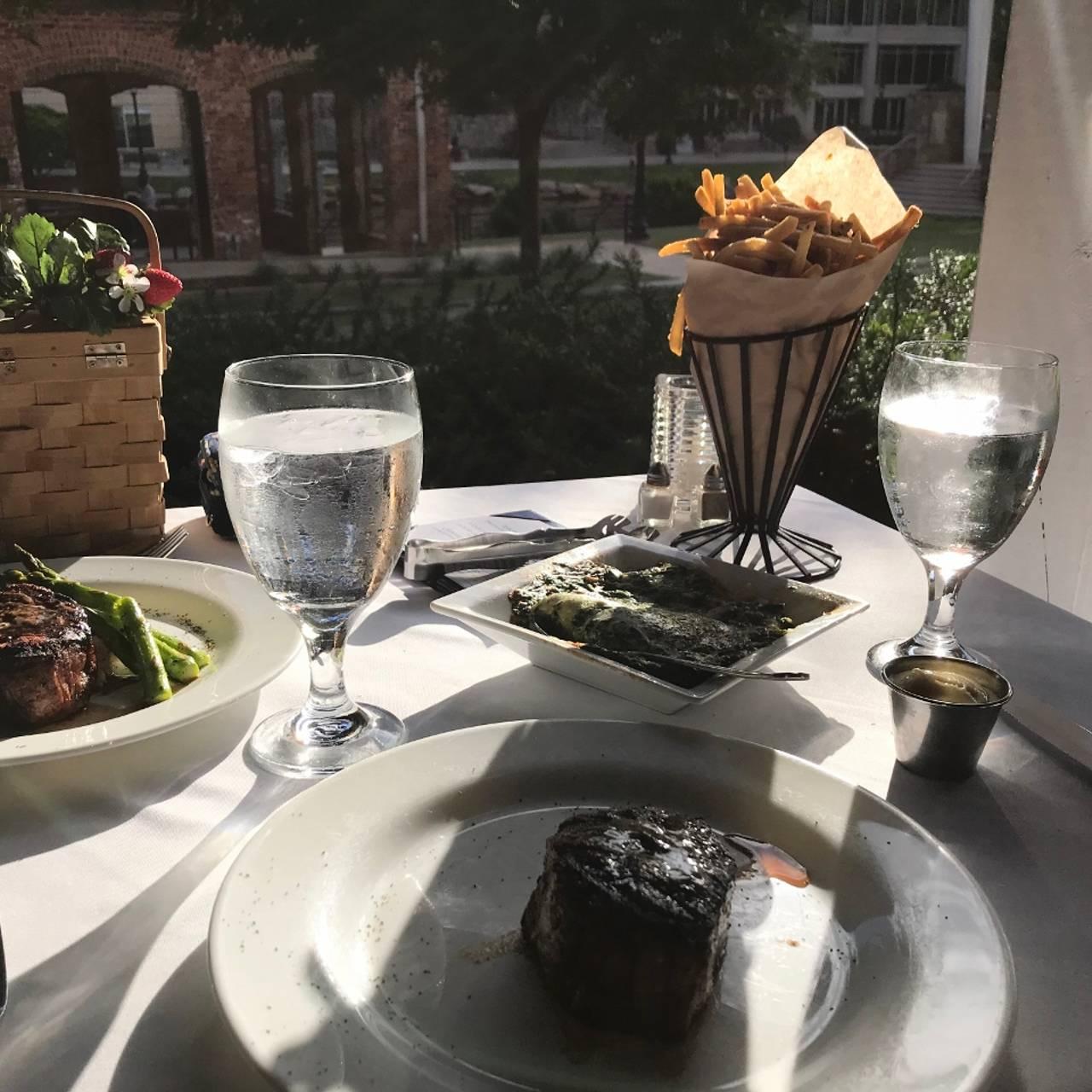 Larkins On The River Restaurant
