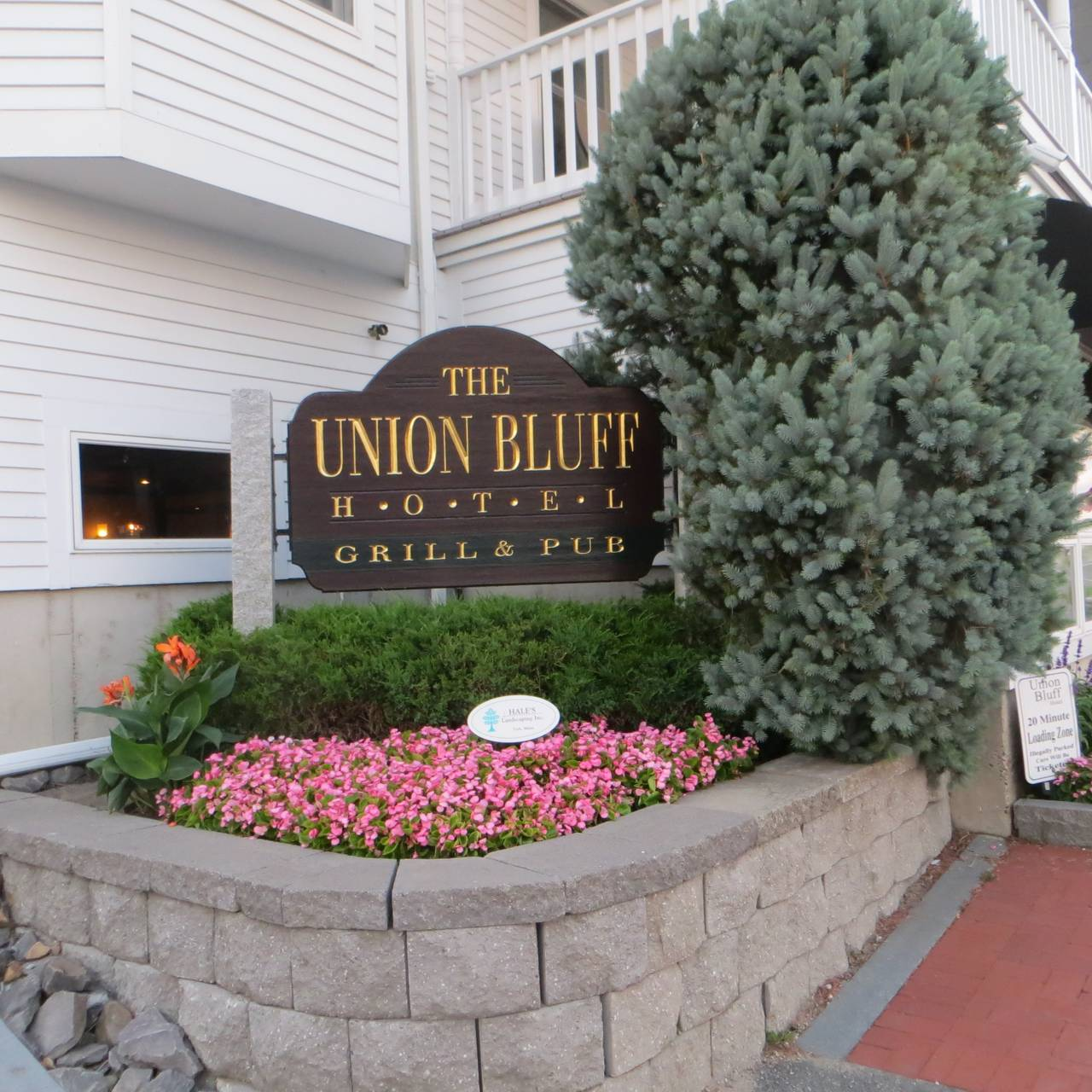 The Union Grill Bluff Hotel Restaurant York Beach Me Opentable