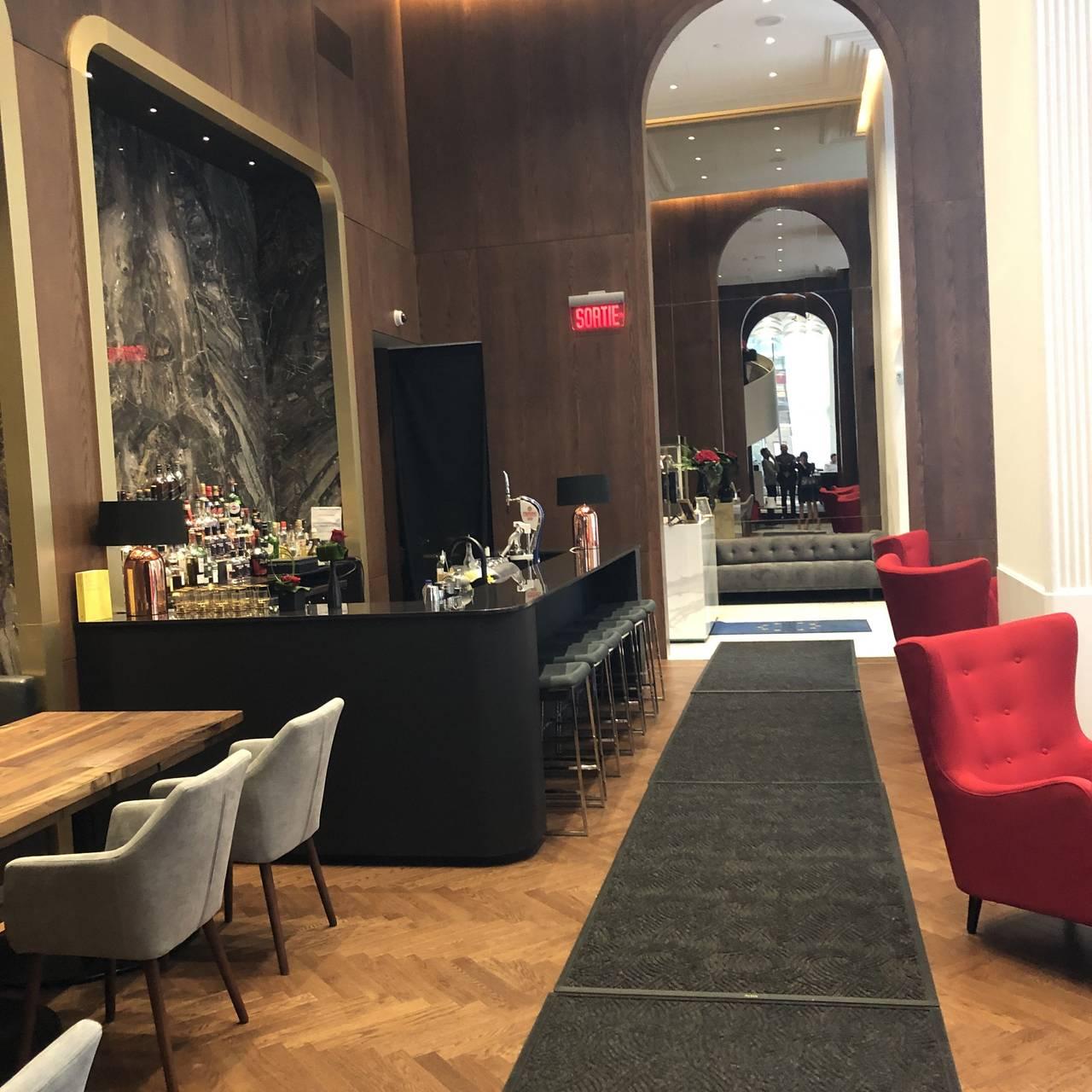 Decoration Petit Pot De Fleur jérôme ferrer europea restaurant - montréal, qc   opentable