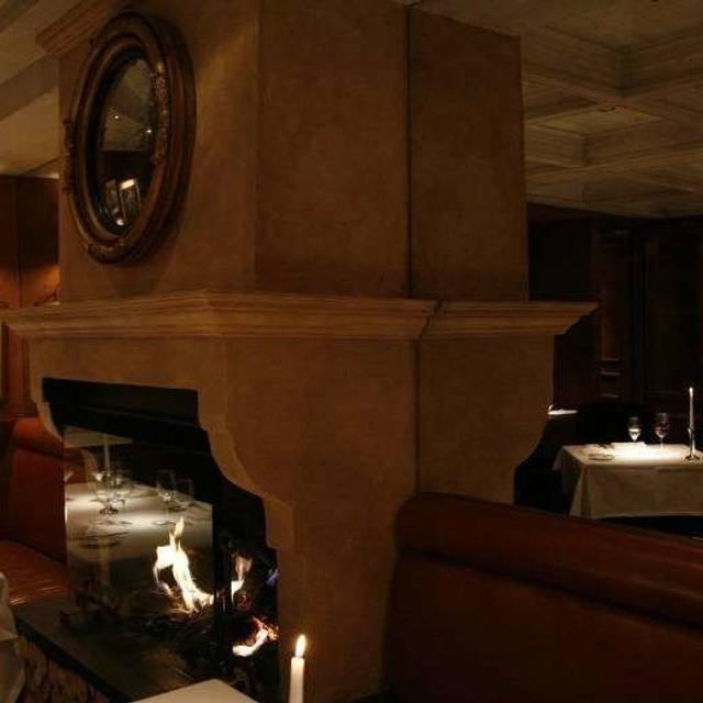 Clos Maggiore, London