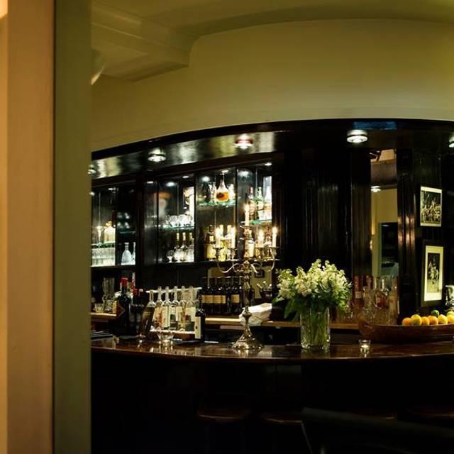 A Cena Restaurant Richmond London