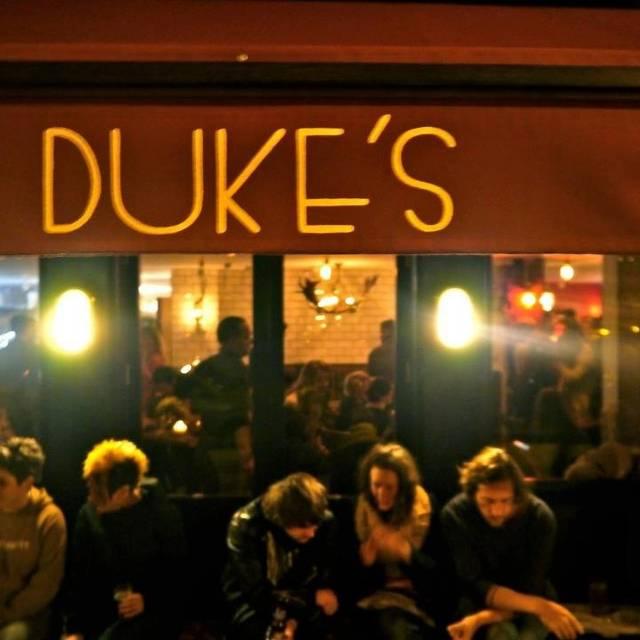 Duke's Brew & Que, London