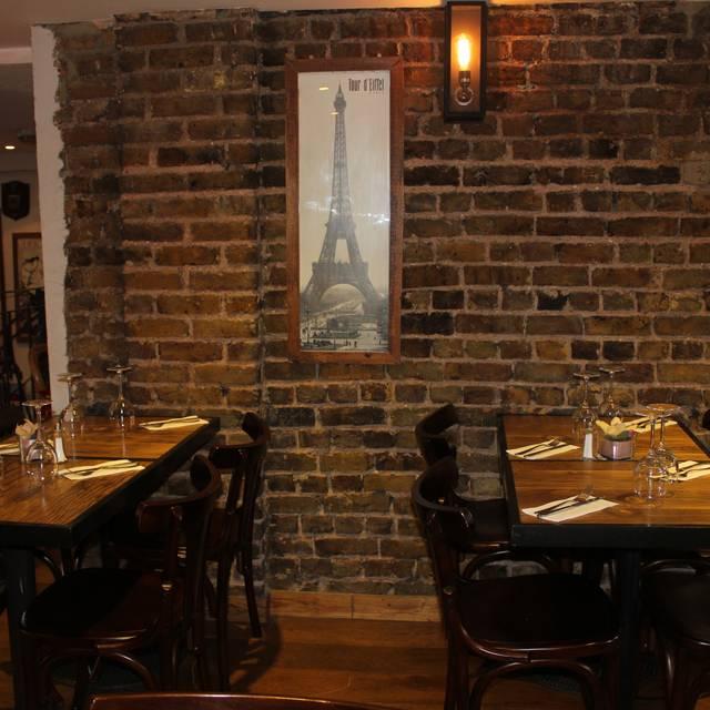 La Petite Auberge, London