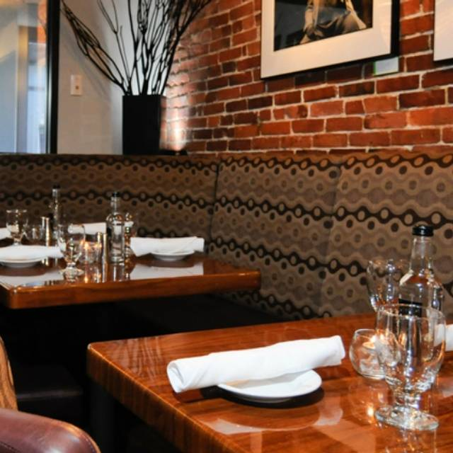 darryl's corner bar and kitchen restaurant - boston, ma | opentable