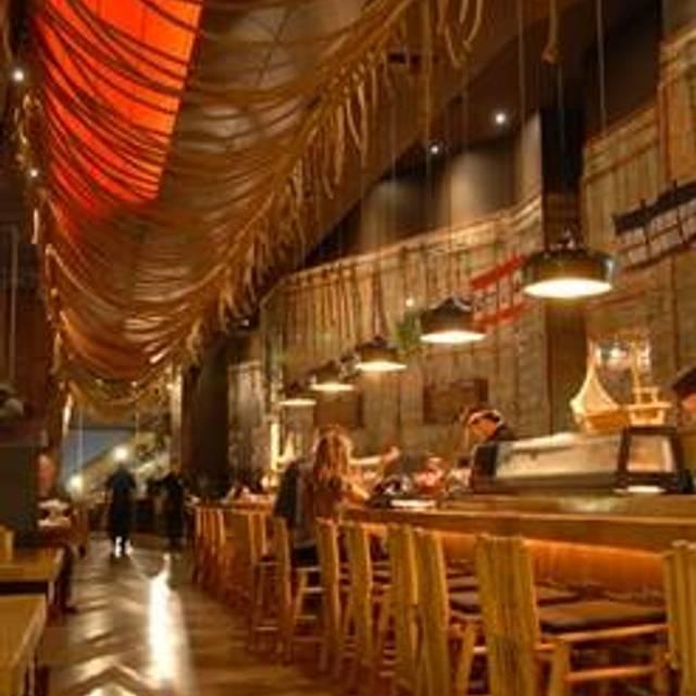 33 Restaurants Near Holiday Inn Express Hollywood Walk Of Fame Opentable