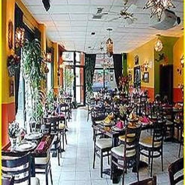 Las Fuentes Restaurant - Chicago, Chicago, IL