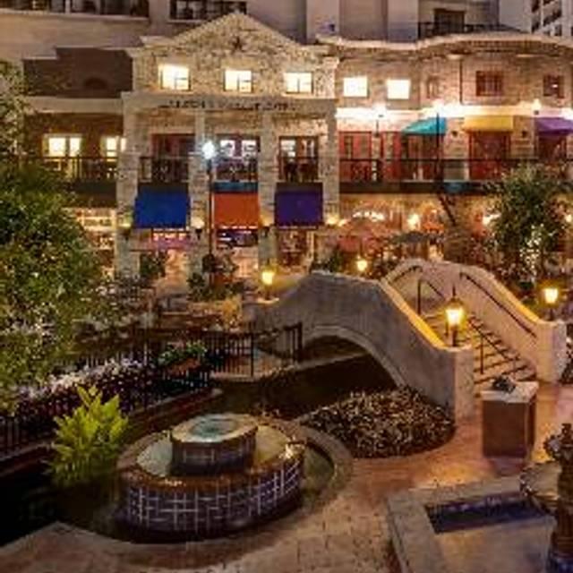 48 Restaurants Near Courtyard By Marriott Dallas Dfw Airport North Grapevine Opentable