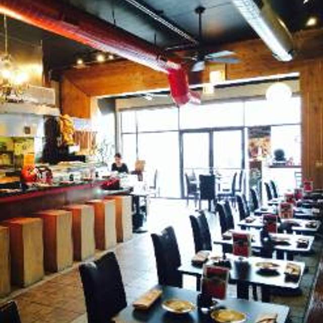 Nori Sushi - Milwaukee Ave, Chicago, IL