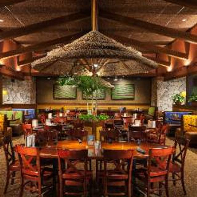 Bahama Breeze Woodbridge Center