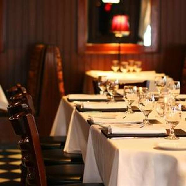 Rosewood Bar & Grill, Lodi, CA