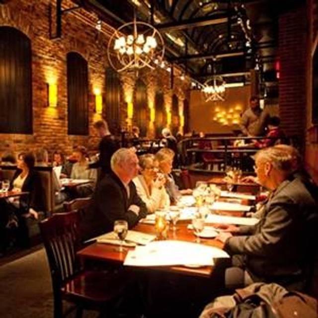 28 Restaurants Near Market Square Opentable