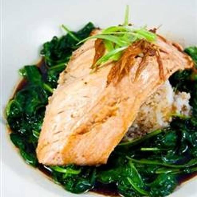 10 Restaurants Near Charleston Town Center Mall Ping Opentable