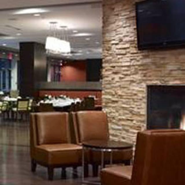 Harold's Bistro & Bar - Sheraton Vancouver Airport Hotel, Richmond, BC