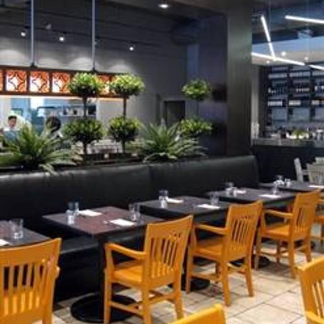 Oliver Bonacini Cafe Grill Bayview Village
