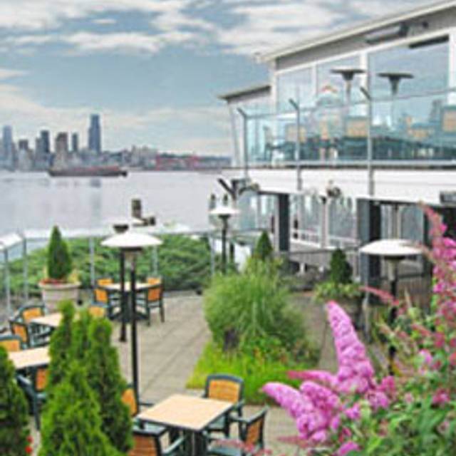 Salty's on Alki Beach, Seattle, WA