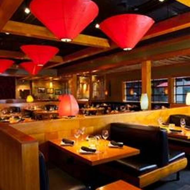 9 Restaurants Near Crowne Plaza Hotel Minneapolis West Plymouth Opentable