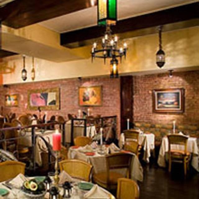 10 Restaurants Near Courtyard By Marriott New York Manhattan Central Park Opentable