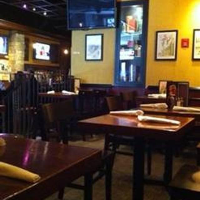 41 Restaurants Near Macys 34th Street New York City Opentable