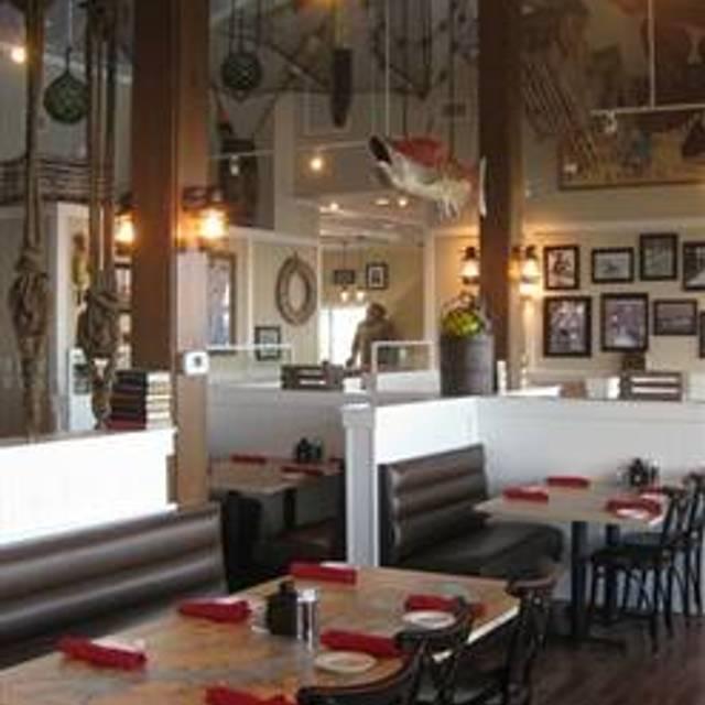 Hemingway's Restaurant - Bay Bridge Marina, Stevensville, MD