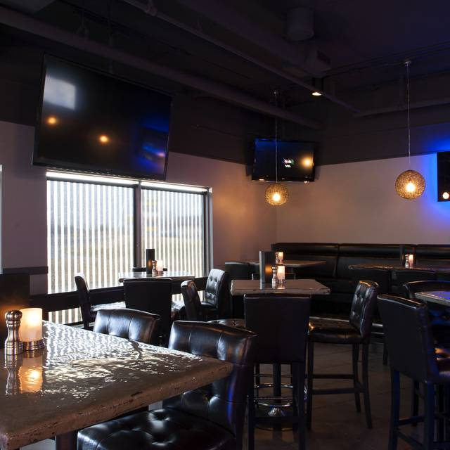 Halo Steak Seafood & Wine Bar, Calgary, AB