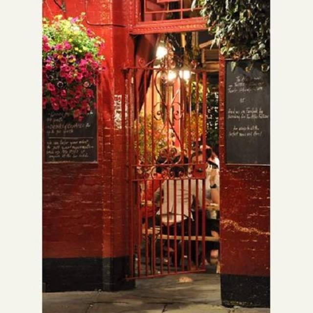The Atlas Pub, London