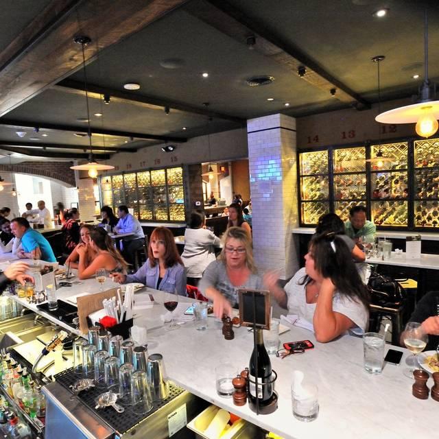 Spuntino Wine Bar & Italian Tapas, Garden City, NY