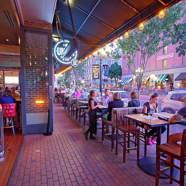 Union Kitchen & Tap - Gaslamp, San Diego, CA