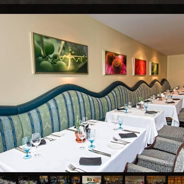 Epic Restaurant - Fairmont Royal York, Toronto, ON