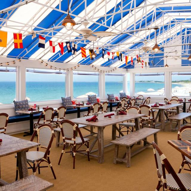 Red S Restaurant And Lounge At The Sea Crest Beach Hotel