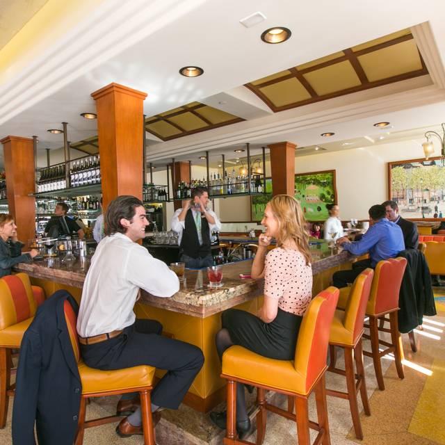 Cafe la Rue - La Valencia Hotel, San Diego, CA