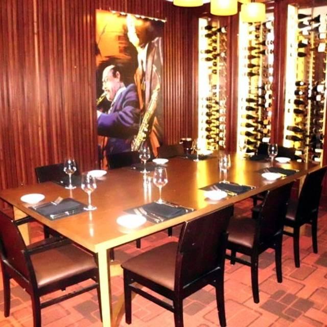 Mitchell S Steakhouse Columbus Polaris