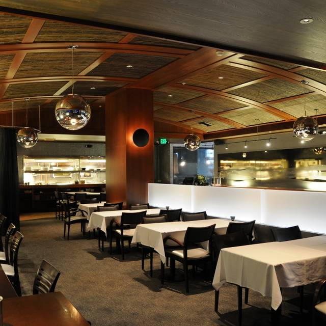 Pearl Bar Dining Bellevue Wa