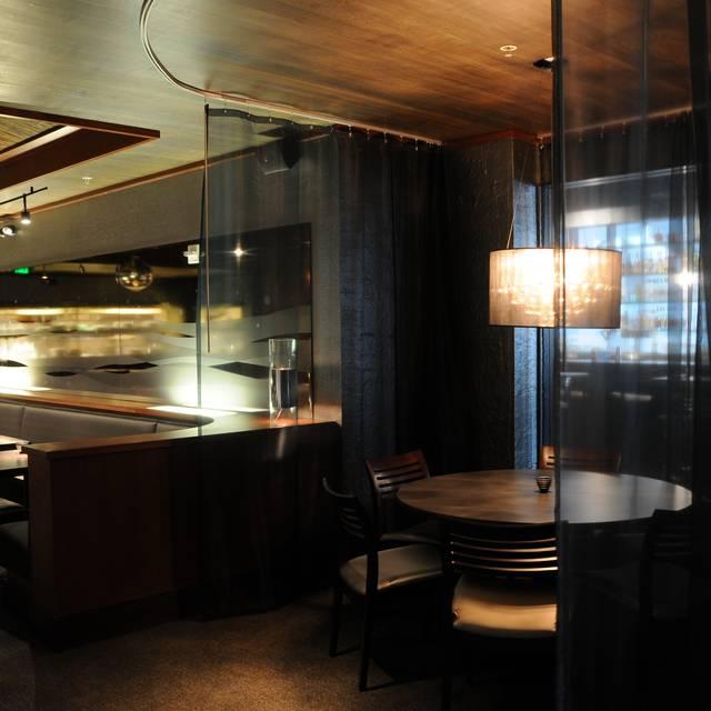 PEARL Bar & Dining, Bellevue, WA