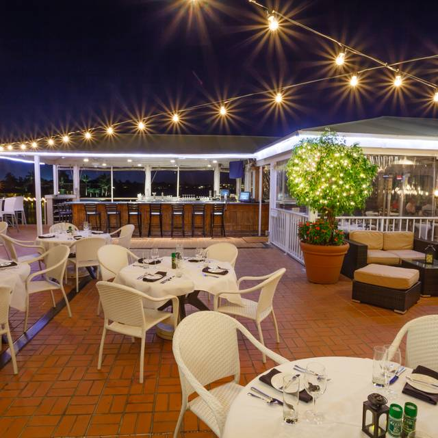 Landscape Lighting Naples Fl: Bayside Seafood Grill & Bar Restaurant