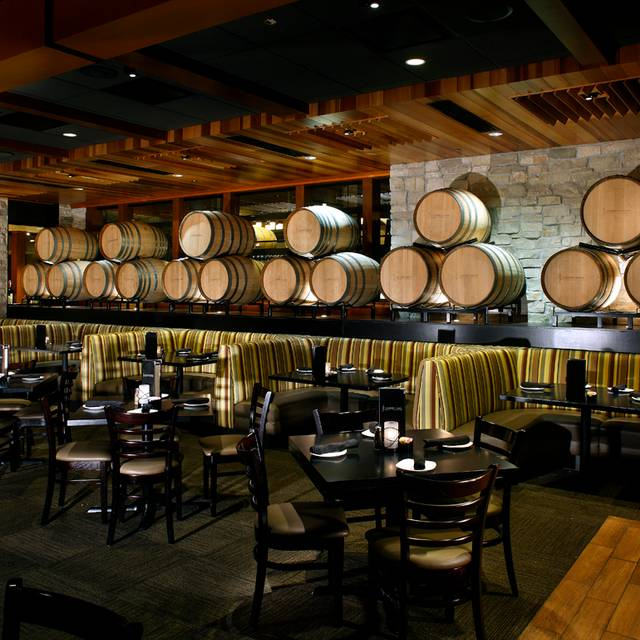 Cooper's Hawk Winery & Restaurant - Brookfield, Brookfield, WI