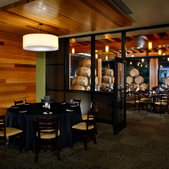 Cooper's Hawk Winery & Restaurant - Indianapolis, Indianapolis, IN