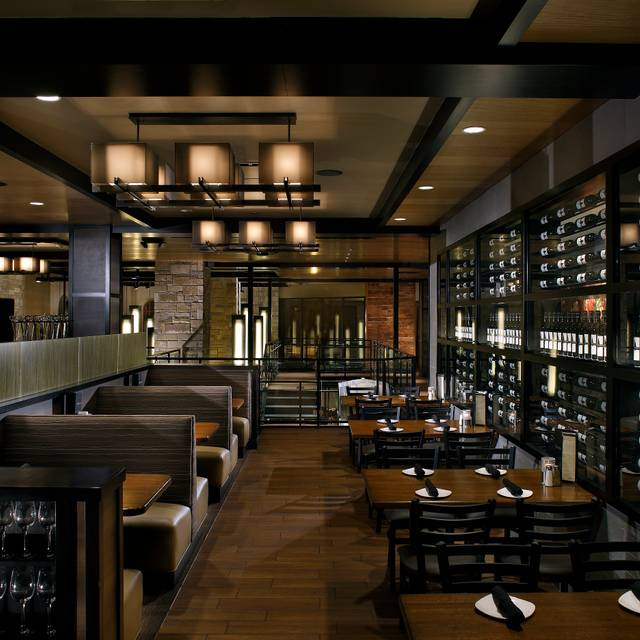 Cooper's Hawk Winery & Restaurant - Kansas City, Kansas City, MO