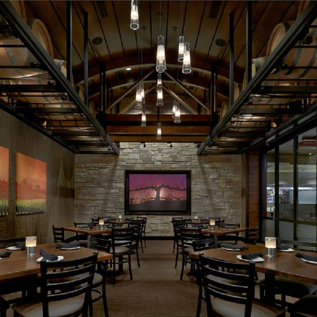 Cooper's Hawk Winery & Restaurant - Town & Country, Town and Country, MO
